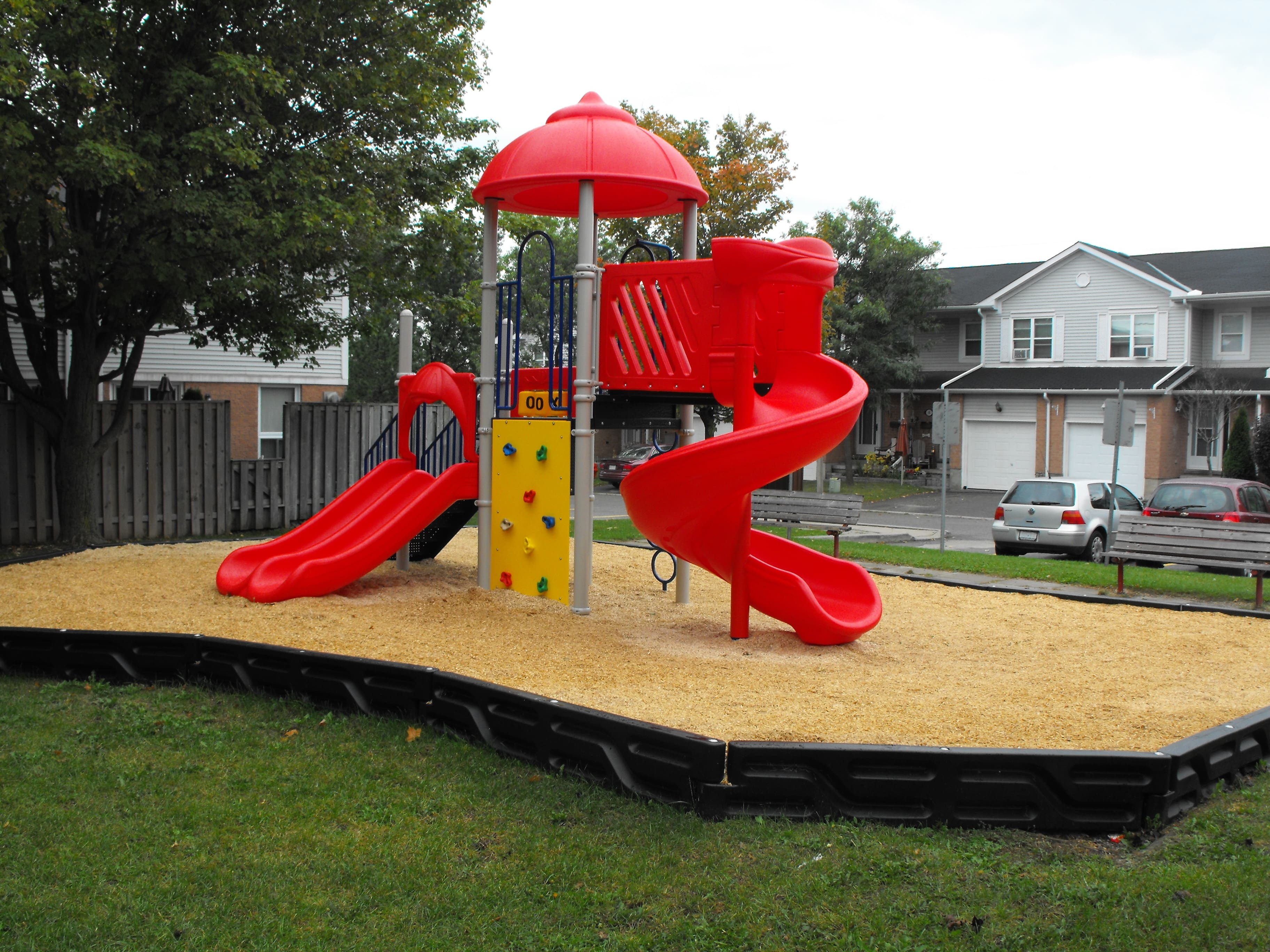 Play Equipment Curly Slide